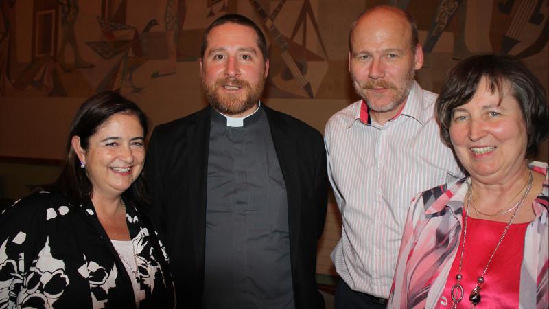 La secrétaire générale Susana Garcia, le nouveau vicaire épiscopal Christophe Godel, le décan de Lausanne-Est Thomas Hilger et la présidente de la FEDEC-VD Marie-Denise Schaller (Photo: Jean-Brice Willemin)