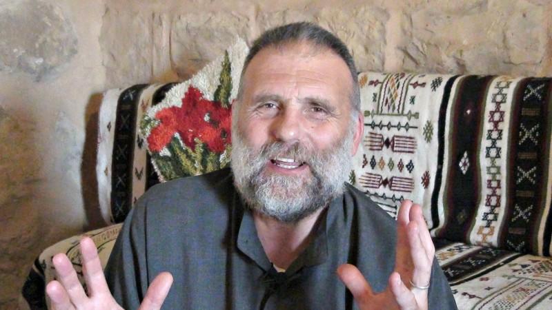 """Le Père Paolo Dall'Oglio a été enlevé en juillet 2013 par les terroristes de Daech (Photo: Patrick Garety et Olivia Crellin/Wikimedia Commons/<a href=""""https://creativecommons.org/licenses/by-sa/3.0/legalcode"""" target=""""_blank"""">CC BY-SA 3.0</a>)"""