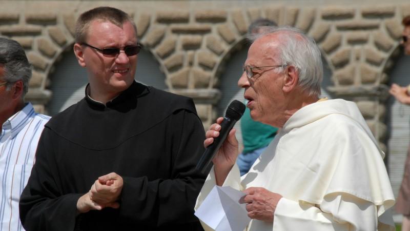 Jean-Bernard Dousse (à dr.) lors du pèlerinage des gens du voyage à Einsiedeln le 24 juillet 2009. (Photo: DR)