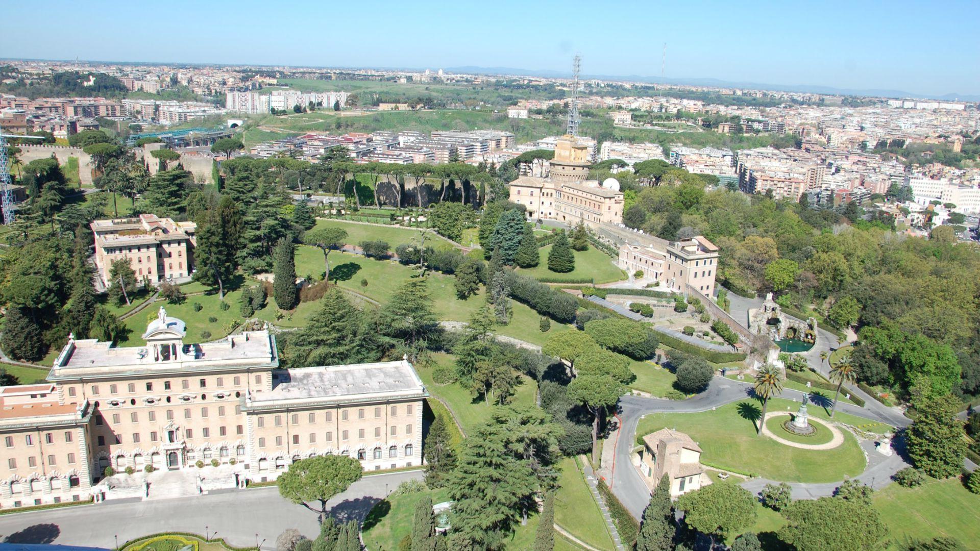 Le vatican m connu le centre ville du petit etat - Les beatitudes une secte aux portes du vatican ...