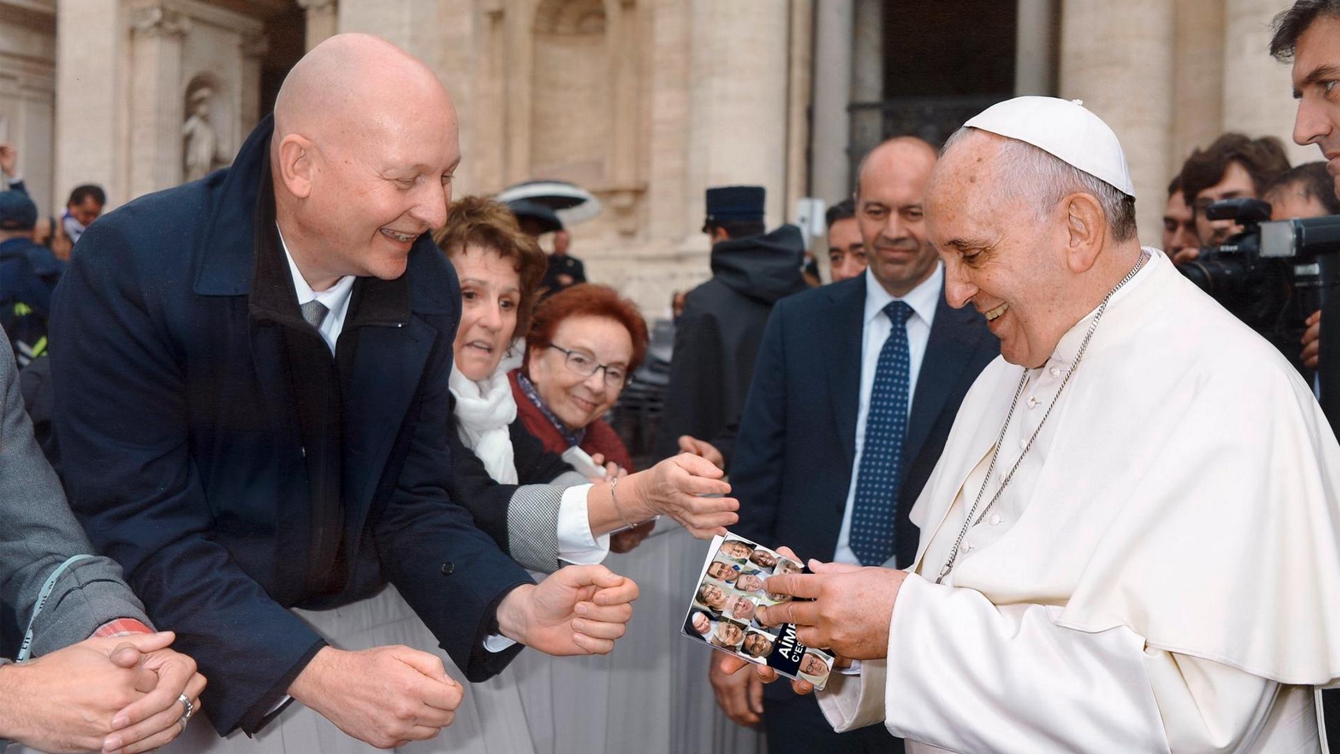 Fribourg, Suisse: le Pape François préface le livre de Daniel Pittet, victime d'un prêtre pédophile (Vidéo) Pittet-Daniel-pape