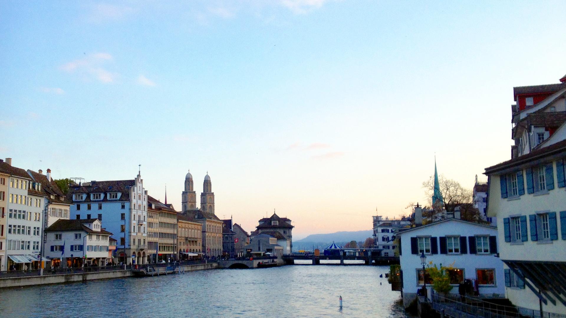 Zurich 1er festival des religions for Piscine zurich
