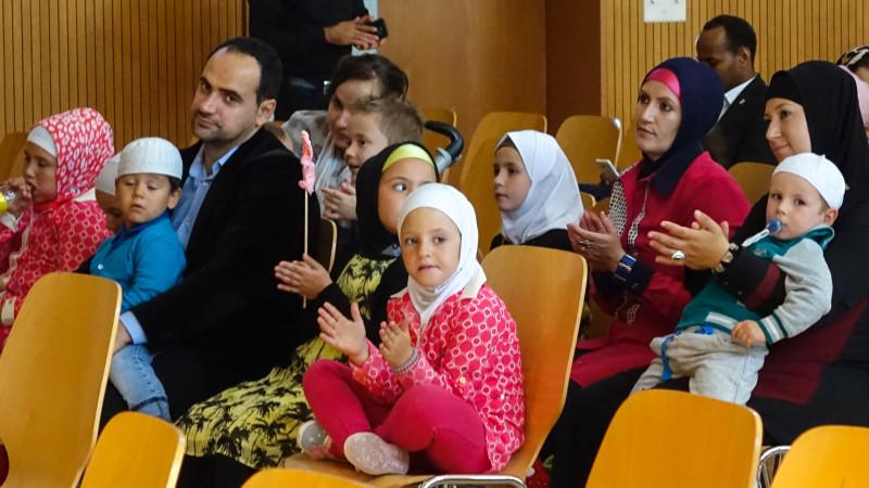 Les musulmans de Fribourg ont fêté l'Aïd à Belfaux. (photo Maurice Page)