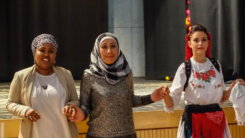 Les musulmans du canton de Fribourg étaient réunis à Belfaux pour le fête de l'Aïd  (photo Maurice Page)