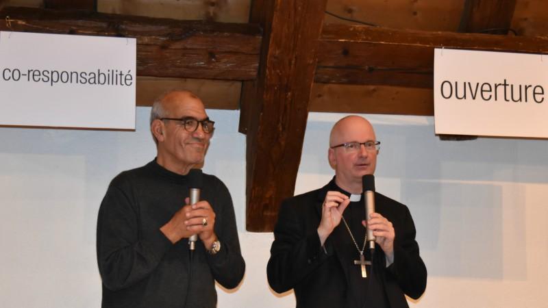 Bulle Hafid Ouardiri avec Mgr Charles Morerod (Photo:  Jacques Berset)
