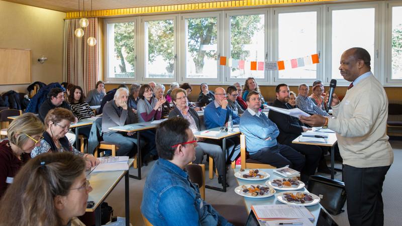 Des membres de La Communauté romande de l'apostolat des laïcs (CRAL), ici  réunis pour les journées thématiques | © Jean-Claude Gadmer