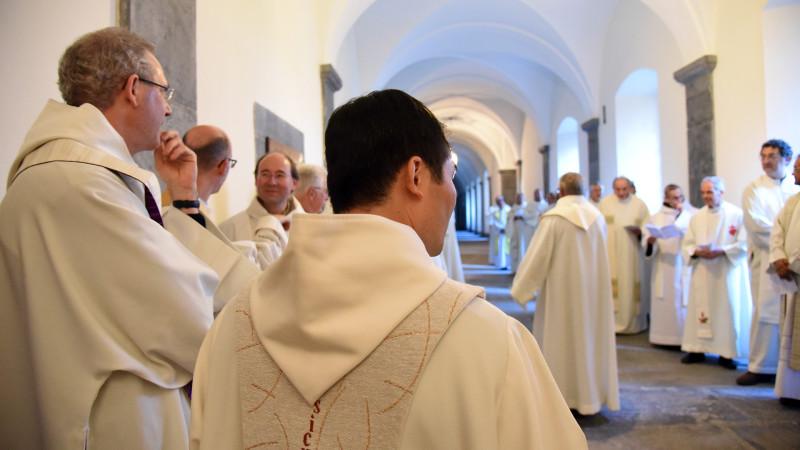 Le clergé romand rassemblé à Saint-Maurice à l'occasion de la Journée des prêtres suisses, le 9 novembre 2015 (Photo: Pierre Pistoletti)