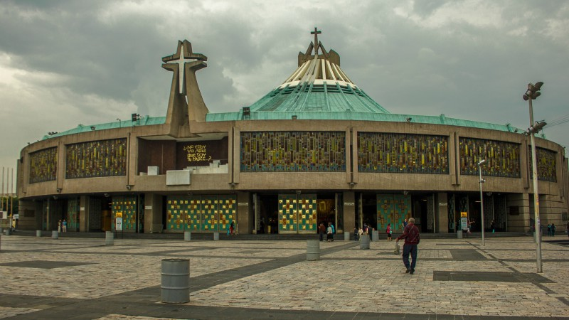 "La basilique Notre-Dame de Guadalupe, à Mexico (Photo:Rosa Menkman/Flickr/<a href=""https://creativecommons.org/licenses/by/2.0/legalcode"" target=""_blank"">CC BY 2.0</a>)"