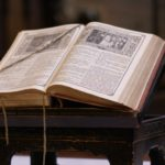"""La bible. (Photo: Flickr/alex.ch/<a href=""""https://creativecommons.org/licenses/by-sa/2.0/legalcode"""" target=""""_blank"""">CC BY-SA 2.0</a>)"""