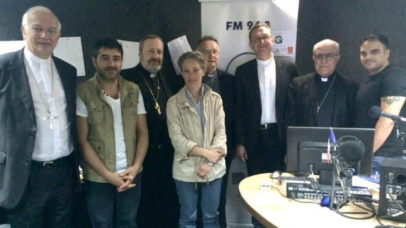 La délégation française en Irak dans les locaux de la radio Al-Salam, à Erbil (Photo:  Oeuvre d'Orient)