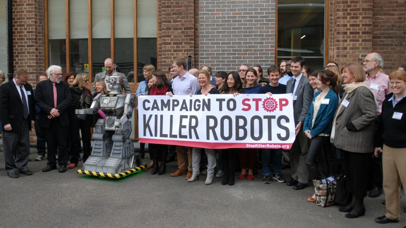 "Partout dans le monde des gens se mobilisent contre les ""robots tueurs"" (Photo:Campaign to stop killer robots/Flickr/<a href=""https://creativecommons.org/licenses/by/2.0/legalcode"" target=""_blank"">CC BY 2.0</a>)"
