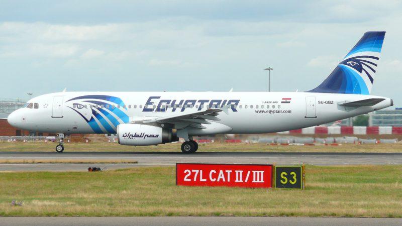 """Un Airbus A320 d'Egyptair tel que celui-ci a disparu des écrans radar dans la nuit du 18 au 19 mai. (Photo: Flickr/John Taggart/<a href=""""https://creativecommons.org/licenses/by-sa/2.0/legalcode"""" target=""""_blank"""">CC BY-SA 2.0</a>)"""