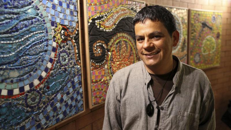 Les Hauts-Geneveys le 9 juin 2016. Albeiro Sarria, maître socio-professionnel à l'atelier d'art visuel de la fondation des Perce-Neige. (Photo: Bernard Hallet)