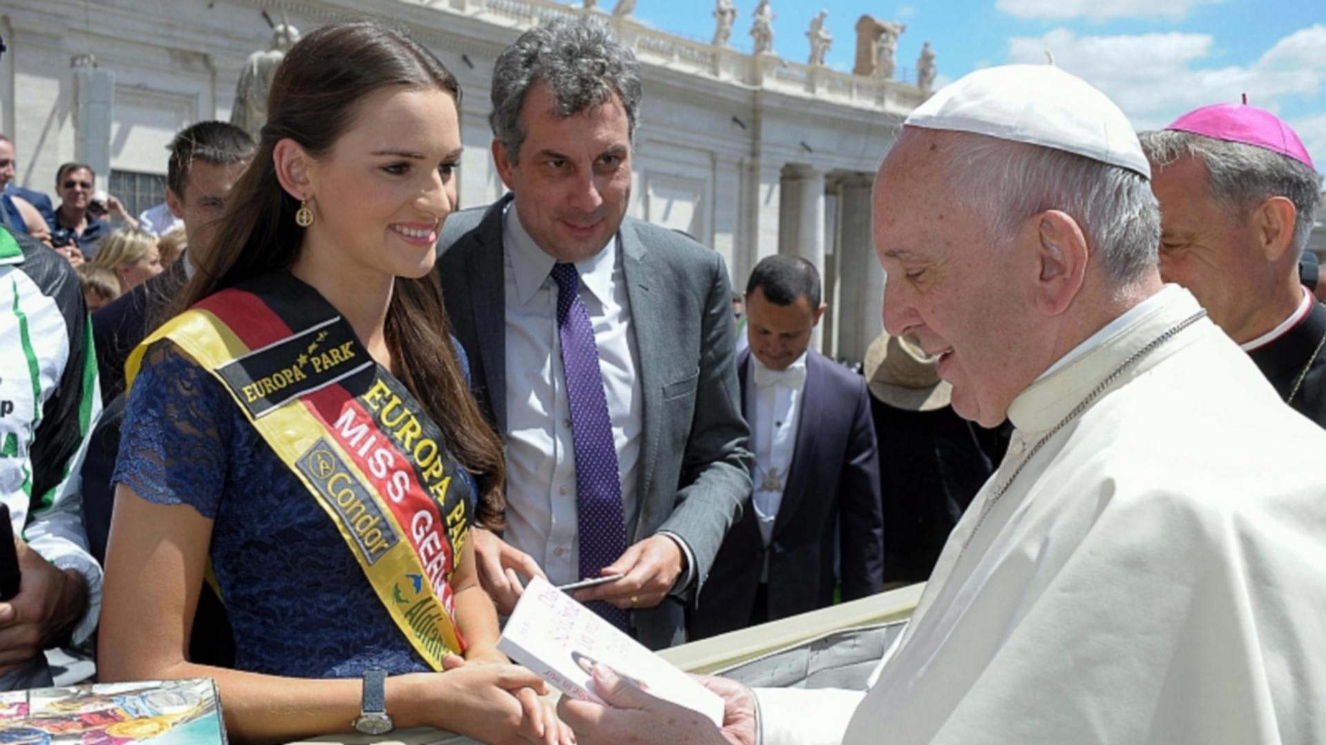 Miss Allemagne 2016, Lena Bröder, rencontre le pape François (photo: Osservatore romano
