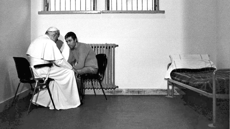 "Le pape Jean Paul II avait pardonné à son agresseur Ali Agca (Photo:Vrede Van Utrecht/Flickr/<a href=""https://creativecommons.org/licenses/by-nc-nd/2.0/legalcode"" target=""_blank"">CC BY-NC-ND 2.0</a>)"