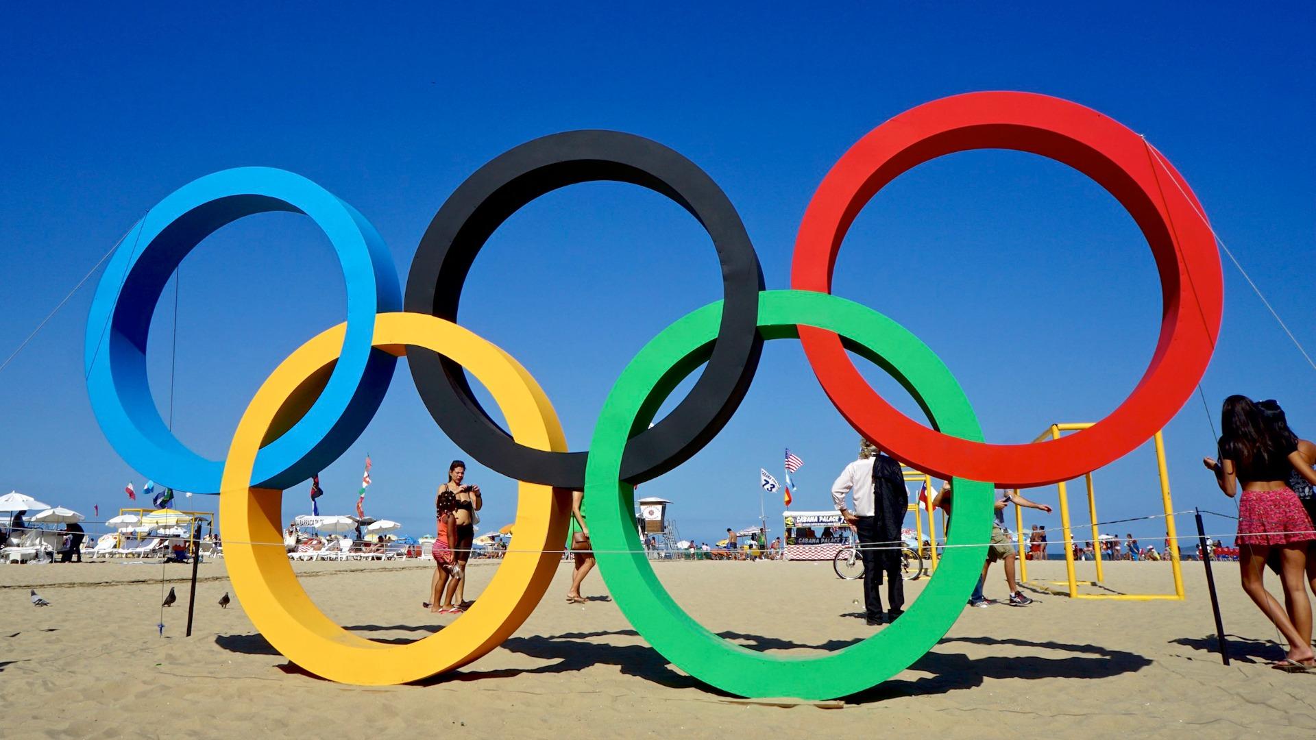 Jo de rio l 39 eglise au milieu du village - Anneau des jeux olympique ...