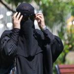 """""""Quelle image de la dignité et de la liberté de la femme donnons-nous en acceptant la Burqa et le Burkini dans l'espace public?"""" (Photo: flickr/aslanmedia_official/ <a href=""""https://creativecommons.org/licenses/by-nc-nd/2.0/legalcode"""" target=""""_blank"""">CC BY-NC-ND 2.0</a>)"""