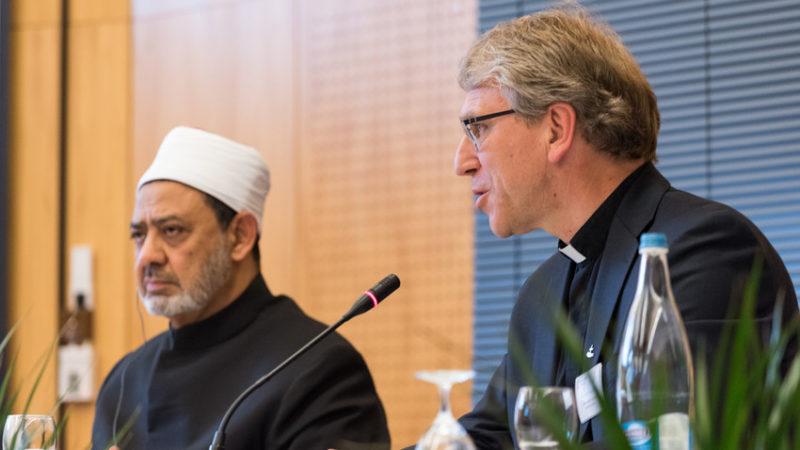 Genève Le grand imam d'Al-Azhar Ahmed Al-Tayeb, avec le pasteur Olav Fykse Tveit, secrétaire général du COE  (Photo: Peter Williams COE)