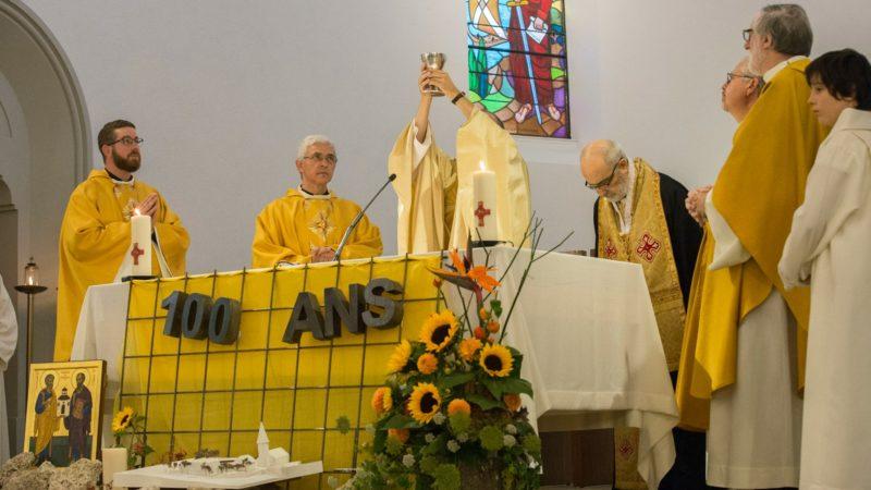 L'église de Villars-sur-Glâne a fêté ses 100 ans sous le signe de la fraternité des chrétiens (Photo:Christoph von Siebenthal)