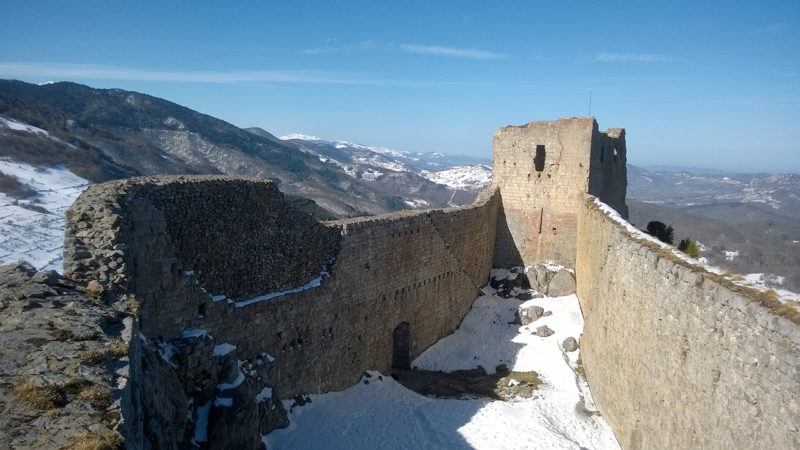 Le château de Montségur, pris en 1244 après un siège de plusieurs mois (Photo: wikimediacommons)