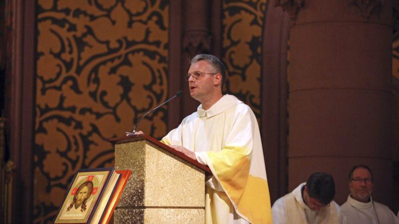 L'abbé Pietro Guerini, vicaire épiscopal du canton de Neuchâtel, a été accueilli au sein de la Conférence des ordinaires de la Suisse romande (COR). (Photo: B. Hallet)