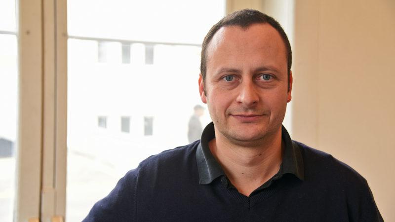 Nicolas von Mulhenen Carrel, président de l'association Noël Pour Tous Prévôtois, fondée en 2005. (Photo: Grégory Roth)
