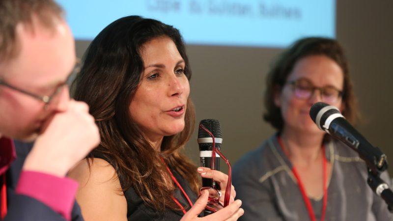 Annecy le 26 janvier 2017. Inès Safi, scientifique, participe aux 21e Journées François de Sales. (Photo: B. Hallet)