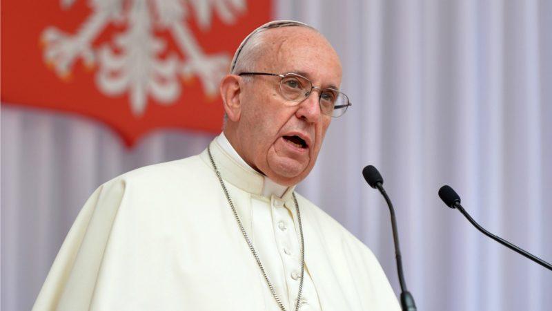 Le pape, s'adressant au corps diplomatique accrédité auprès du Saint-Siège,  a condamné la violence commise au nom de Dieu. (Photo: Flickr/catholicnews.org.uk/CC BY-NC-SA 2.0)