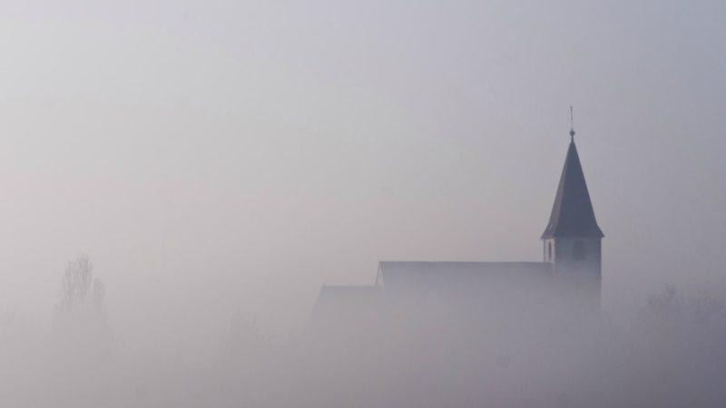 Beaucoup de Suisses ont perdu leur Eglise de vue (Photo:La Belle Lumière/Flickr/CC BY-NC 2.0)