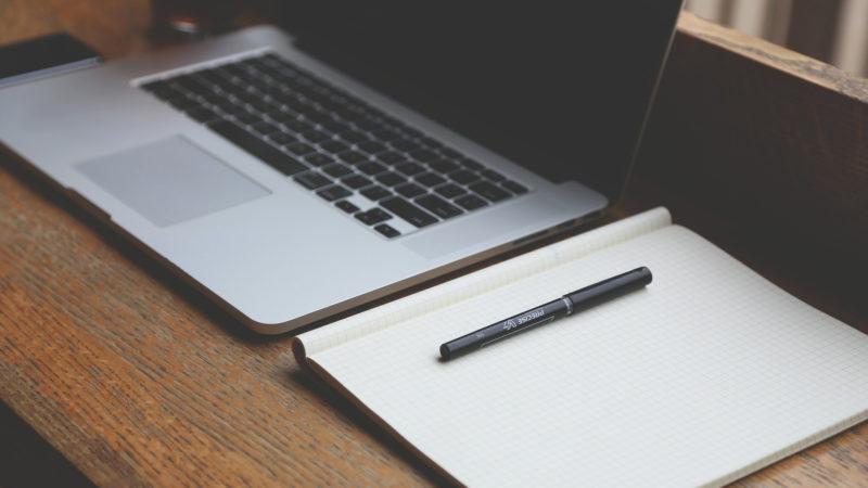 """""""L'internaute, fan du zapping, ne ferait que parcourir d'un œil rapide le texte affiché sur son écran"""" (Photo: Pixabay)"""