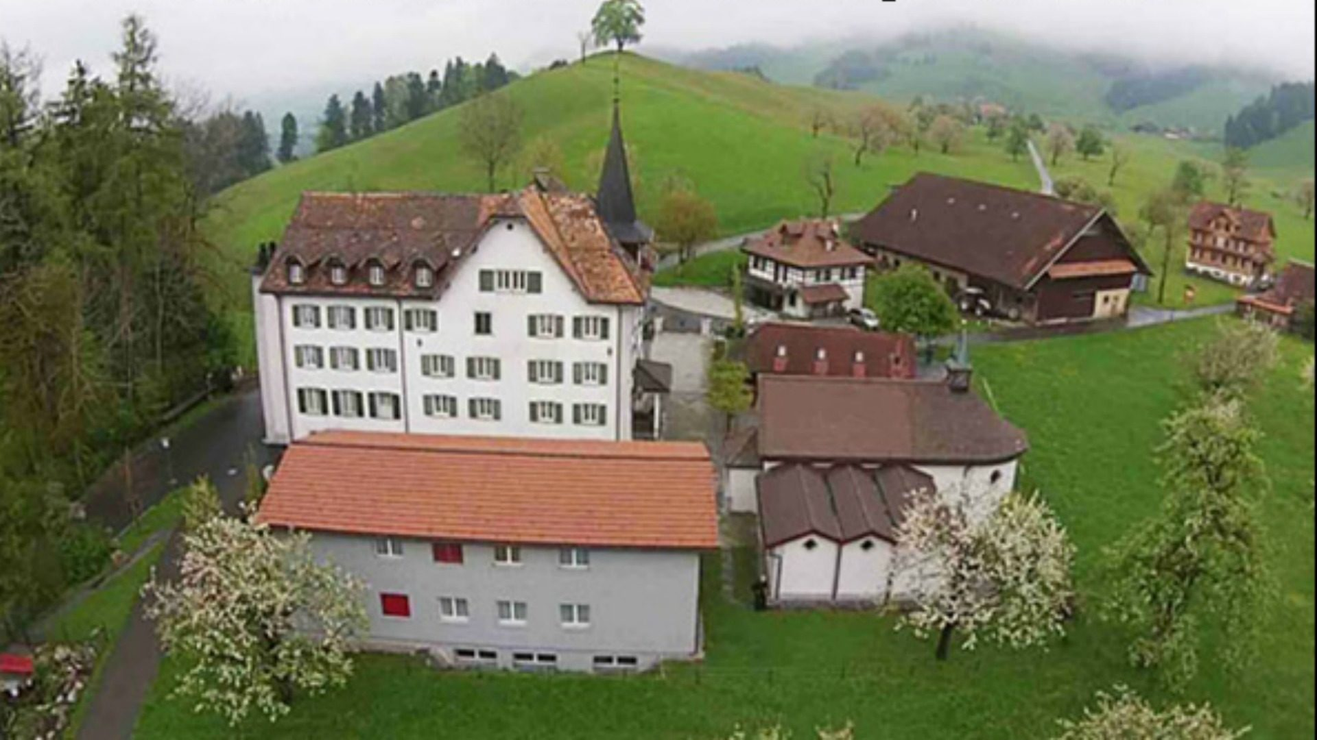 Suisse la fsspx ne va pas transf rer rome sa maison for Porte latine