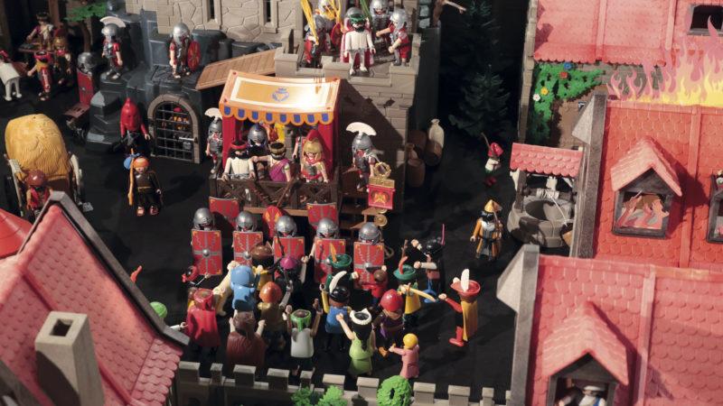 Ponce Pilate, préfet de Judée, demande à la foule lequel des deux hommes il doit relâcher: Jésus ou Barabbas? (Photo: B. Hallet)