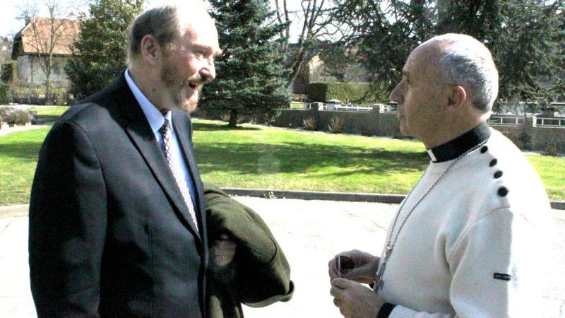 Mgr Robert Le Gall, archevêque de Toulouse, accueilli à Philanthropos par l'archiduc Rodolphe d'Autriche, président de la Fondation Philanthropos (Photo: Bernard Litzler)