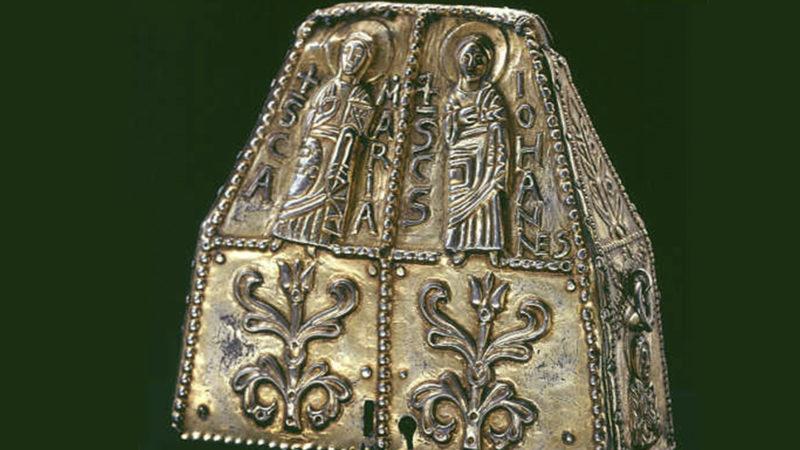 Reliquaire commandé par l'évêque Althée (fin du VIIIe siècle), argent doré. (Photo: Musées cantonaux, Sion/H. Preisig)