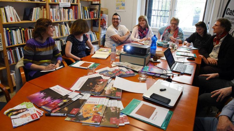 Les étudiants de l'IFM se forment aux médias à Cath-Info, à Lausanne (photo Pierre Pistoletti)
