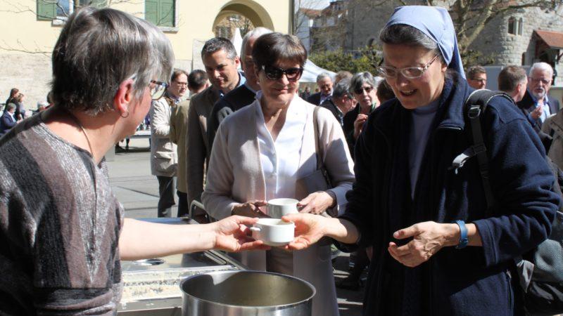 La soupe rappelait l'épisode de la 'soupe au lait de Kappel' où protestants et catholiques fraternisèrent pendant les guerres de religion (photo Bernard Litzler)