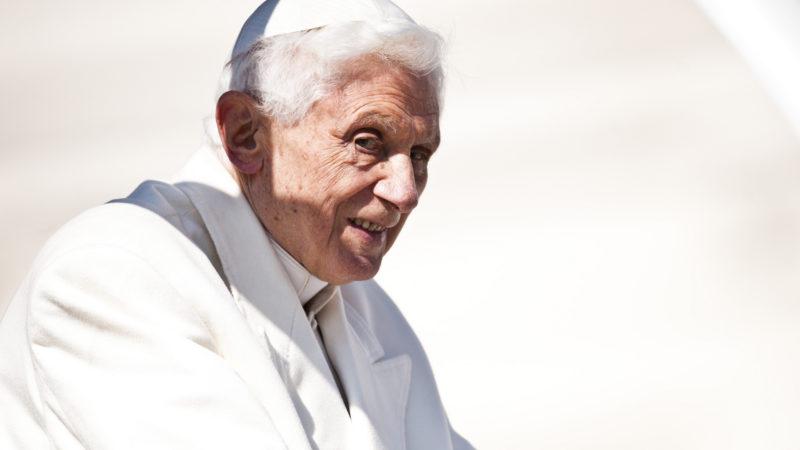 """Né le jour du Samedi saint en 1927, Benoît XVI a eu 90 ans le 16 avril 2017, jour de Pâques (Photo: flickr/catholicism/<a href=""""https://creativecommons.org/licenses/by-nc-sa/2.0/legalcode"""" target=""""_blank"""">CC BY-NC-SA 2.0</a>)"""