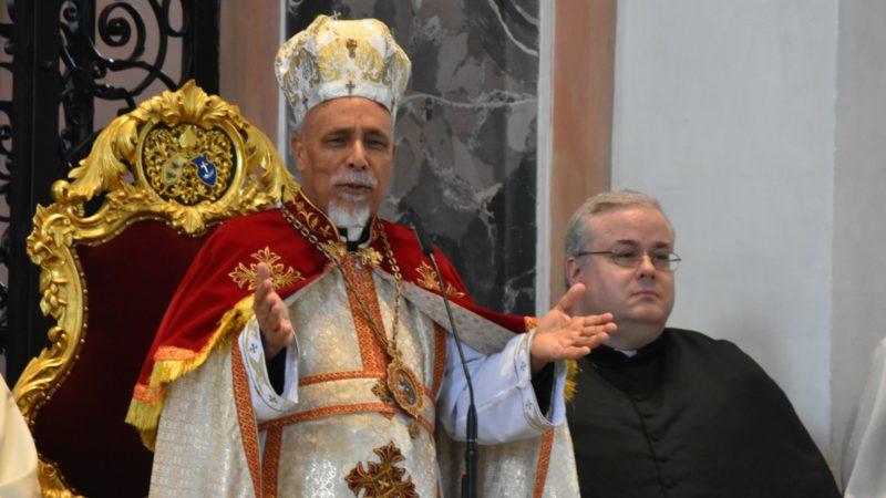 Mgr Kyrillos Samaan, évêque copte catholique d'Assiout, préside la messe en l'abbatiale d'Einsiedeln (Photo:  Jacques Berset)