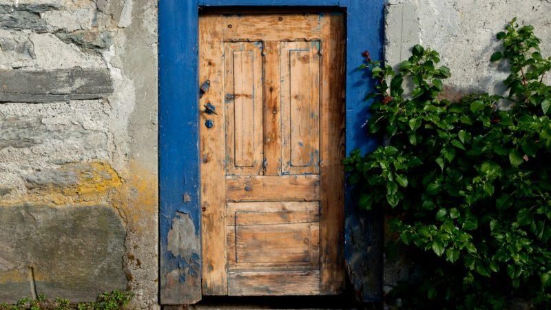 """""""Moi, je suis la porte. Si quelqu'un entre en passant par moi, il sera sauvé"""", Jn 10, 9 (Photo: Flickr/Fjordane-2239/CC BY-NC-ND 2.0)"""