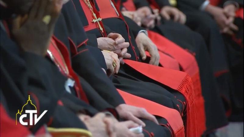 Le pape François a présidé le 29 mai 2017 dans la salle Bologna au Vatican une réunion avec les chefs de dicastères de la Curie romaine (Illustration: youtube/CTV)