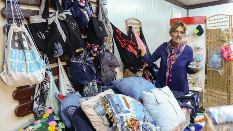 La boutique du camp d'Ankawa - Ashti 2 vend des objets réalisés par les femmes du camp (photo Maurice Page)