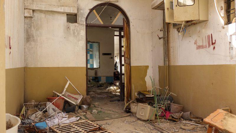 Betnaya,  au nord de l'Irak, les maisons quin'ont pas été détruites sont totalement pillées (photo Maurice Page)