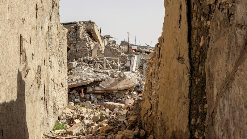 Les maisons anciennes de Betnaya, au nord de l'Irak,  n'ont pas résisté aux bombardements (photo Maurice Page)
