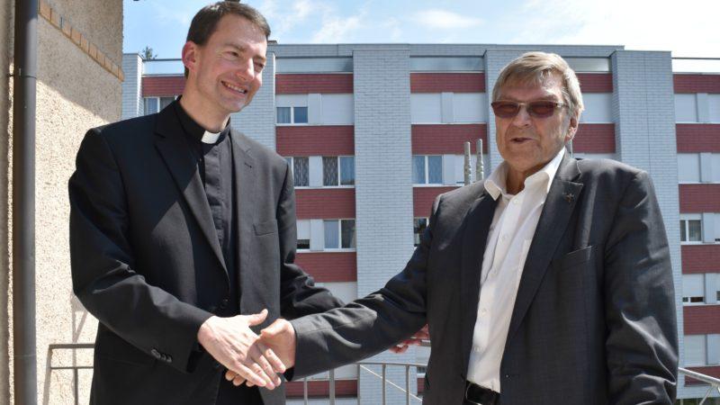 Le futur vicaire épiscopal Jean Glasson a collaboré avec l'actuel vicaire épiscopal Rémy Berchier pour élaborer les orientations pastorales (Photo:  Jacques Berset)