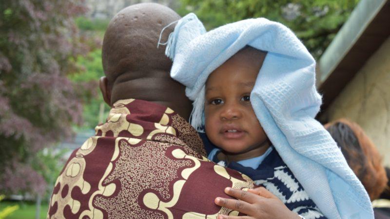 Pèlerinage aux saints d'Afrique Les enfants font partie de la fête (Photo:  Jacques Berset)