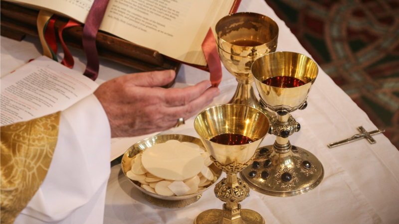 "Pour le pape François, l'eucharistie est ""mémoire vivante"" (Photo:Lawrence OP/Flickr/<a href=""https://creativecommons.org/licenses/by-nc-nd/2.0/legalcode"" target=""_blank"">CC BY-NC-ND 2.0</a>)"