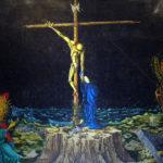 """Le Christ en Croix et Notre-Dame des Douleurs. Le centre du triptyque de Baden-Baden par Jean-Pierre Ponnelle. (Photo: Wikimedia Commons/Martinetandre/<a href=""""https://creativecommons.org/licenses/by-sa/3.0/legalcode"""" target=""""_blank"""">CC BY-SA 3.0</a>)"""