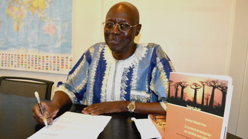 Le professeur Bénézet Bujo, à Fribourg, est un fin connaisseur de la réalité du continent noir (Photo:  Jacques Berset)