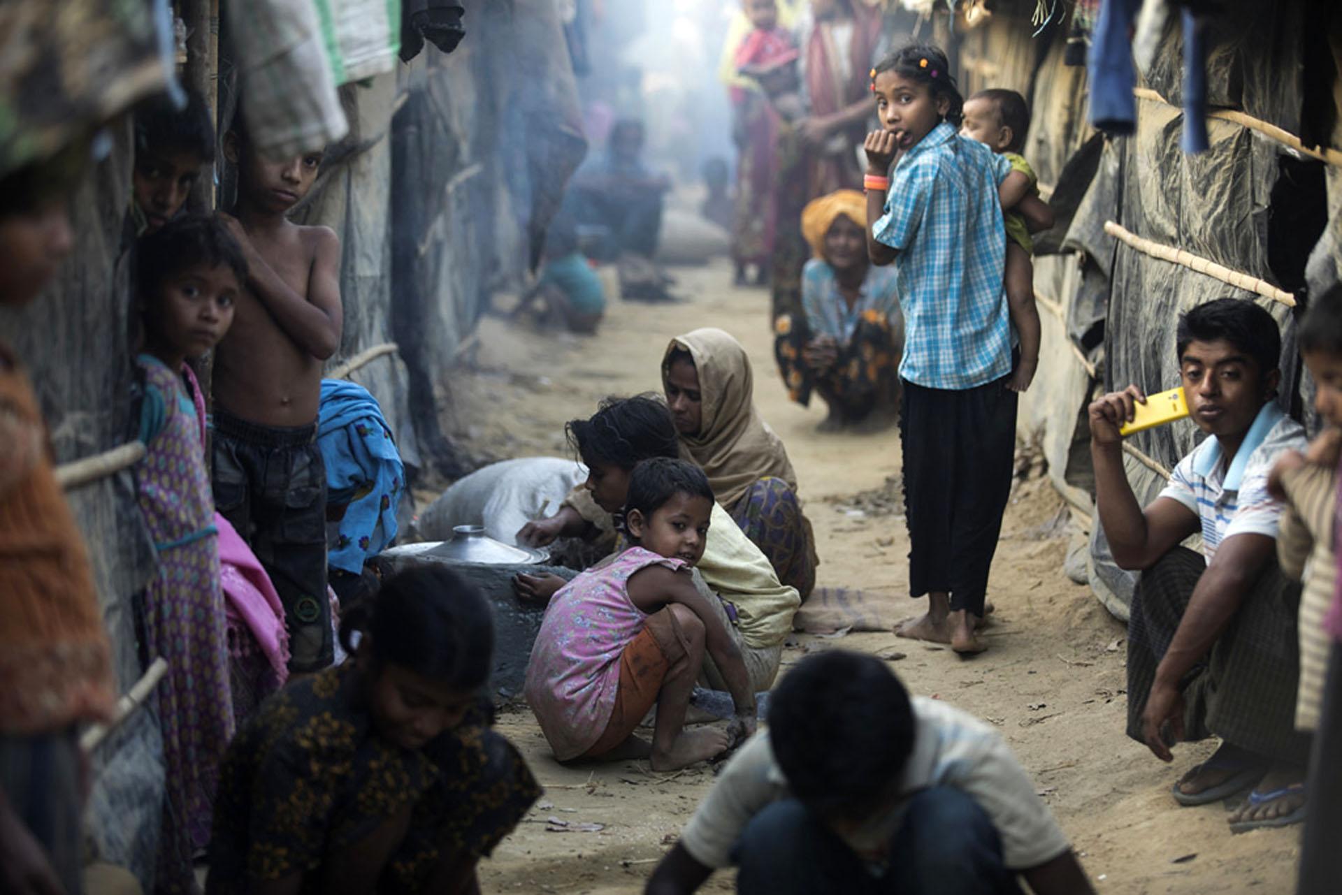 """Résultat de recherche d'images pour """"Birmanie, Rohingyas, Discrimination, extrême pauvreté, myanmar, 2017"""""""