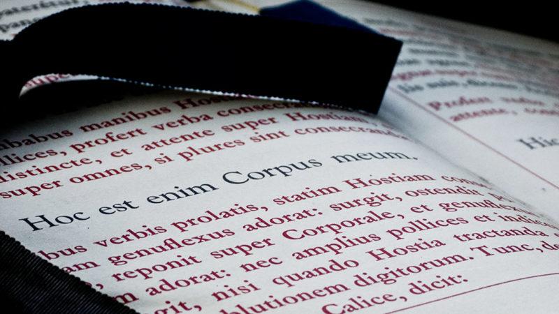 """Traductions liturgiques: le pape François accorde davantage d'autonomie aux conférences épiscopales (© flickr/profcarlos<a href=""""https://creativecommons.org/licenses/by-nc/2.0/legalcode"""" target=""""_blank"""">CC BY-NC 2.0</a>)"""